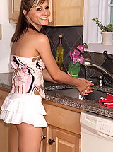 Mini Rock, nadia taylor 02 kitchen red pussy swollen labia