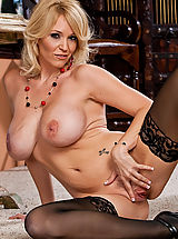 fully fashioned stockings, Charlee Chase