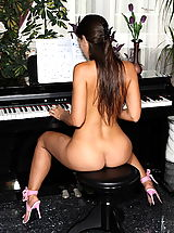 Sapphic Erotica Pics: eve angel 08 naked piano teacher shaved cunt