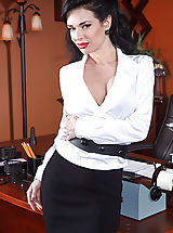 Veronica Avluv, Johnny Sins in Show Me Who's Boss