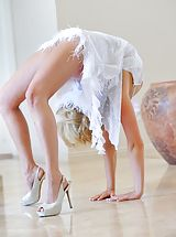 Legs High Heels, Jessica the beautiful contortionist