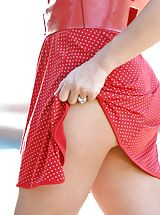 Upskirts, Seductive cougar Devon Lee shows off her elegant curves in the summer sun