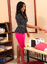 Naughty Office, Viana Milian