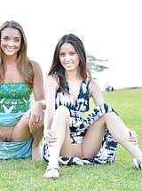 Upskirt Pics: Mary and Aubrey Pantiless in Hawaii