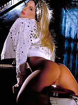 Suze Randall Pics: A classic set of true beauty Savannah who was taken way too early from us.