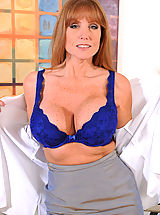 Anilos beauty Darla Crane massages her massive tits