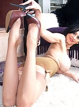 Heel Crush, Busty Louise shows her rare girdle and sexy nyloned feet!