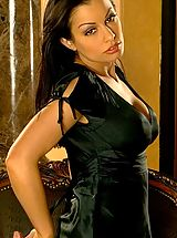 Busty Secretary, Aria Giovanni