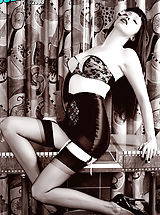 Emily Marilyn exudes the look and classic kink of 50's fetish!