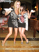 Long Legs, After dinner in Cabo, Kelly and Ryan want some dessert so they go back to their room with Sienna West.